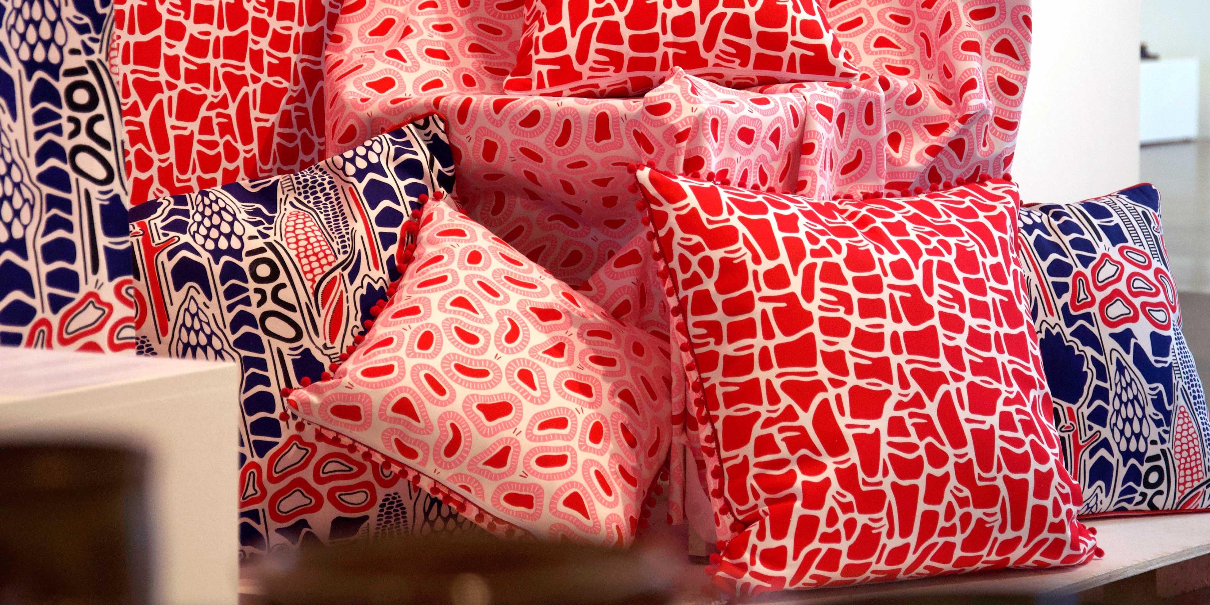 mönsterdesign och tryck på textilier kuddfodral